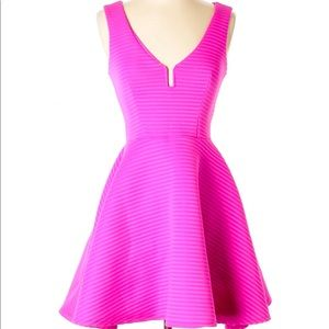 Bebe Women Dress size M, pink, NEW with tags